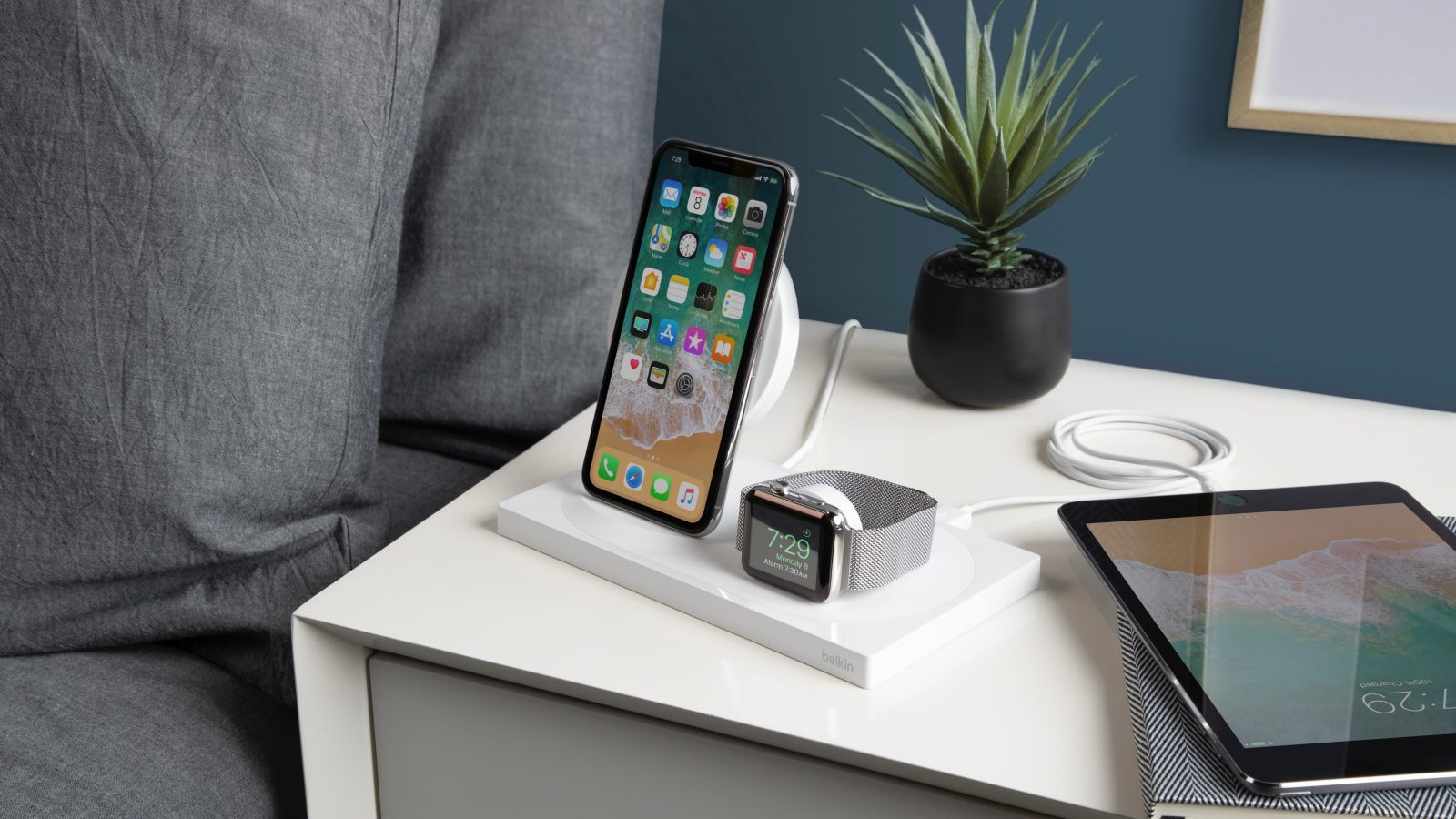 Belkin Boost Charge 3-in-1 Wireless Charger Review: Apple fans look no further!
